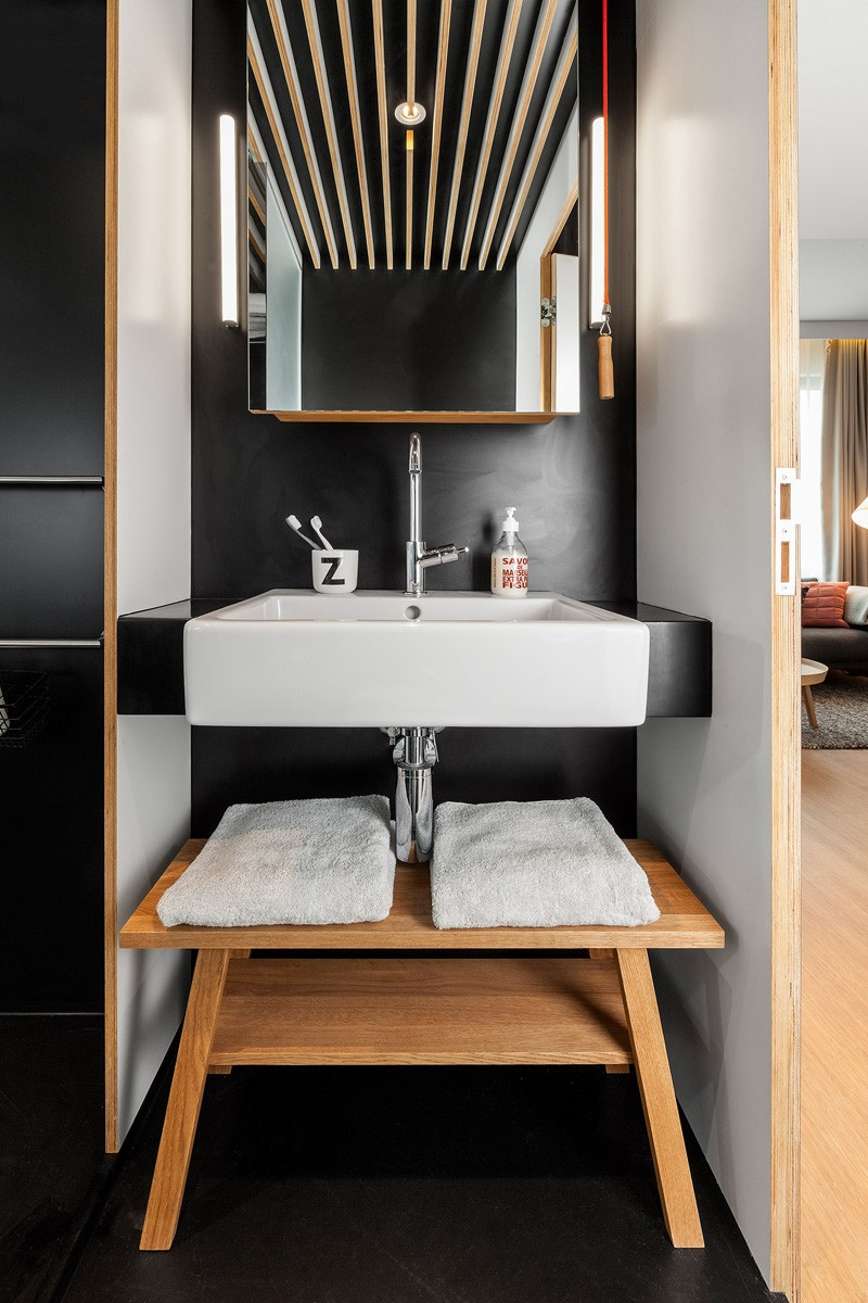 ZOKU-loft-bathroom