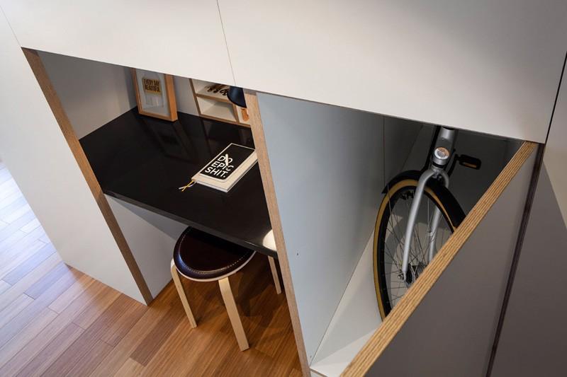 ZOKU-loft-desk-alcove-hallway