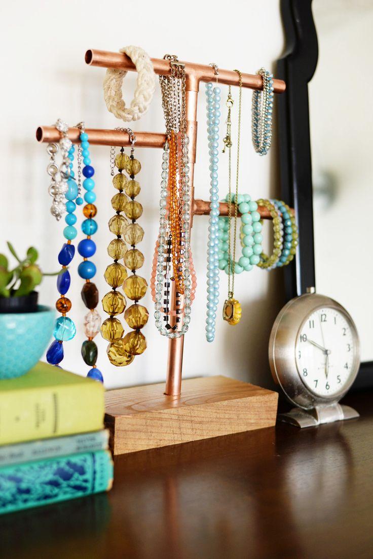 bedroom jewelry stand