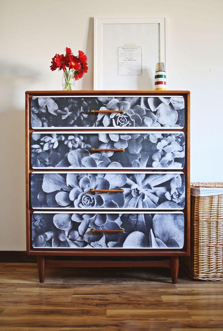 bedroom poster dresser