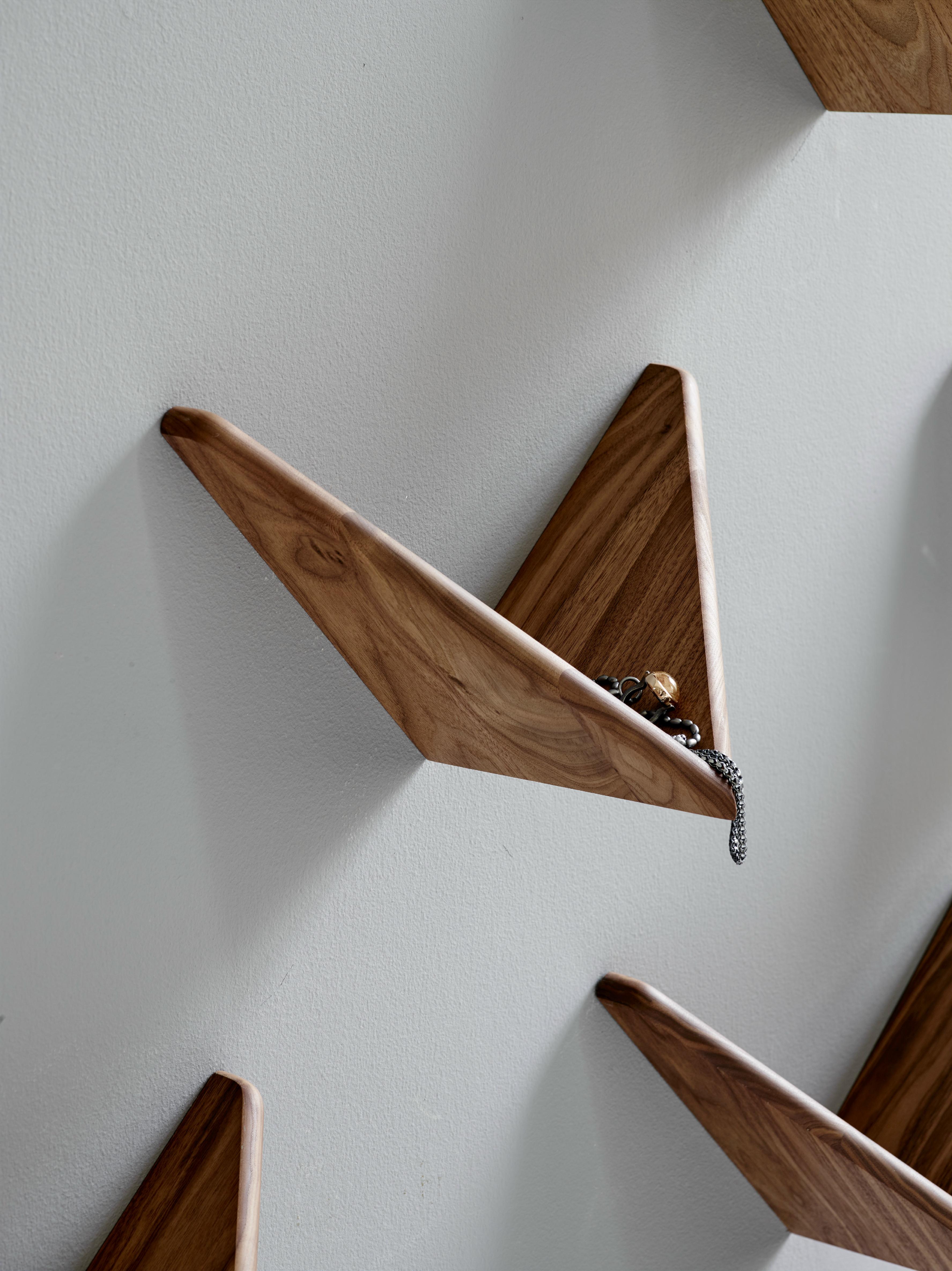 butterfly-shelf-entrance