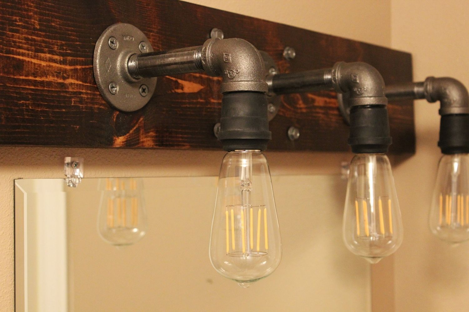 Diy industrial bathroom light fixtures for Bathroom 5 light fixtures