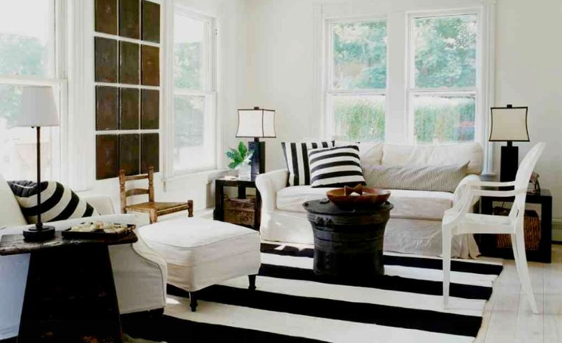 How To Enhance A Dcor With A Black And White Striped Rug