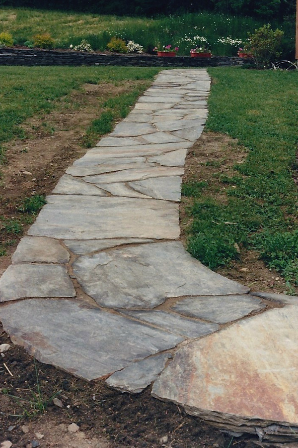 Gorgeous stone walkways to add your home - Garden pathway design ideas with some natural stones trails ...
