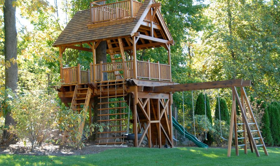 Elements to include in a kid 39 s treehouse to make it awesome - Cabane jardin pvc limoges ...