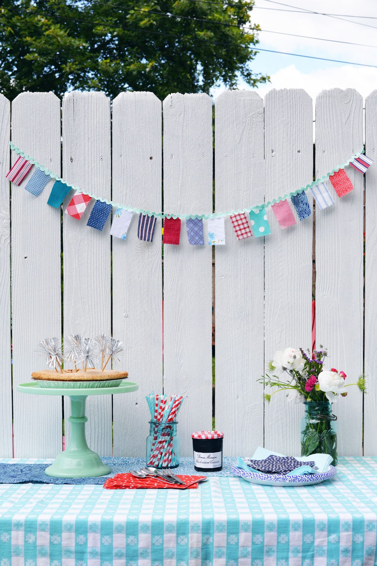 4th-of-july-fabric-banner-DIY
