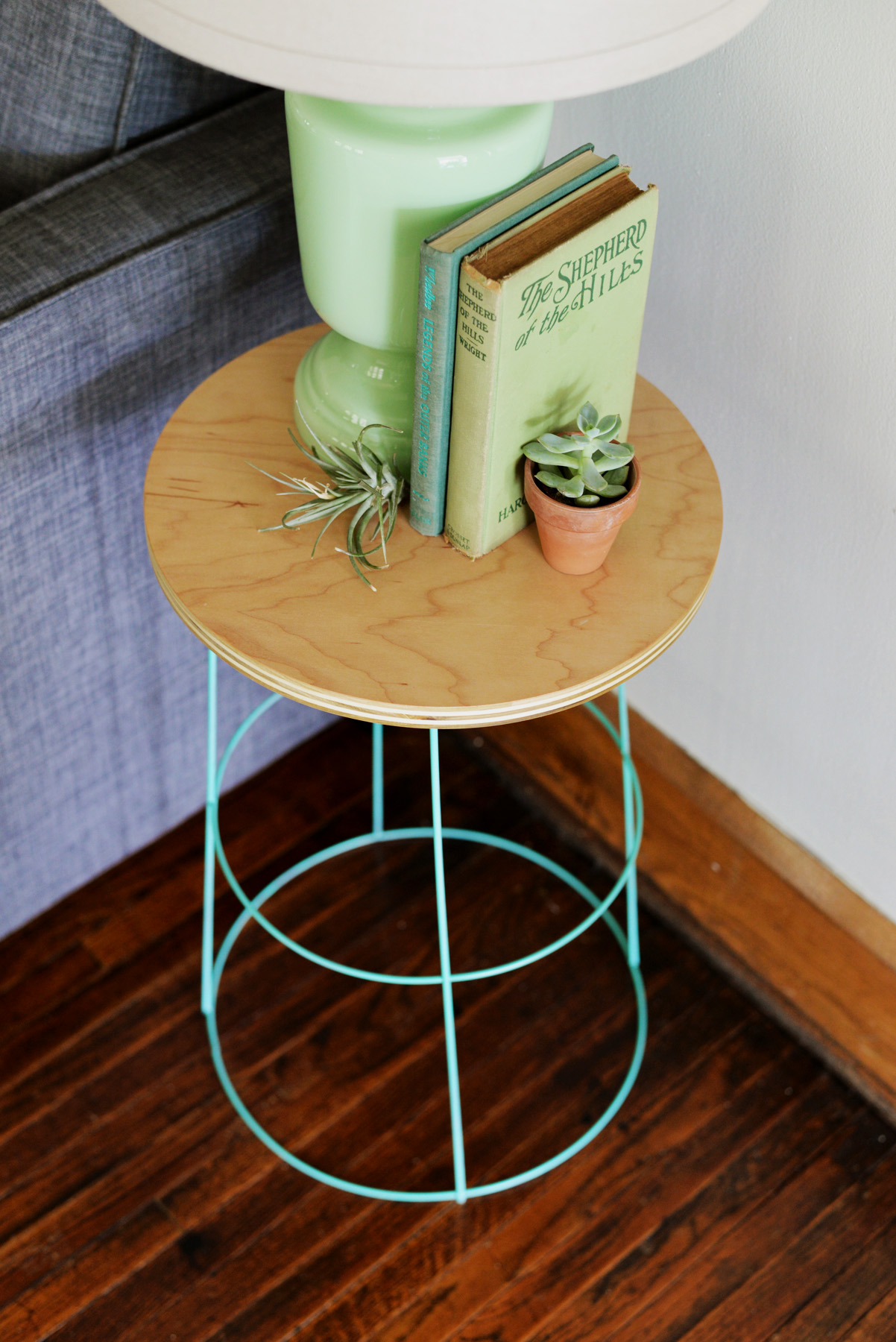 diy tomato cage side table. Black Bedroom Furniture Sets. Home Design Ideas