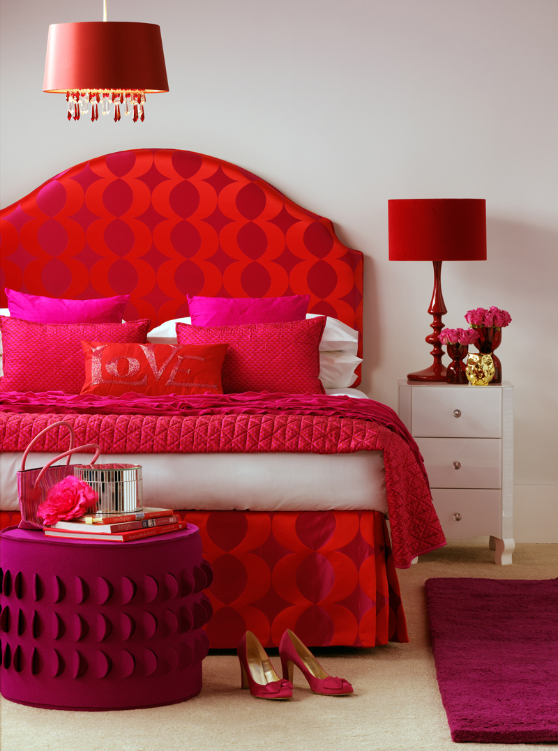 20 colors that jive well with red rooms for Red modern decor