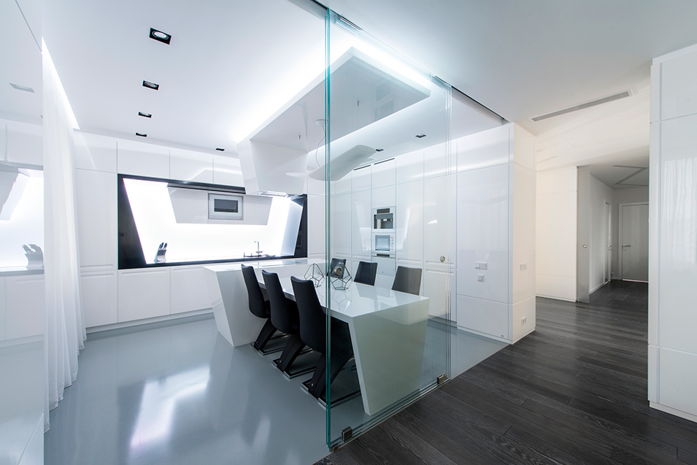 Geometrix-Design-weiß-schwarz-apartment-Küche