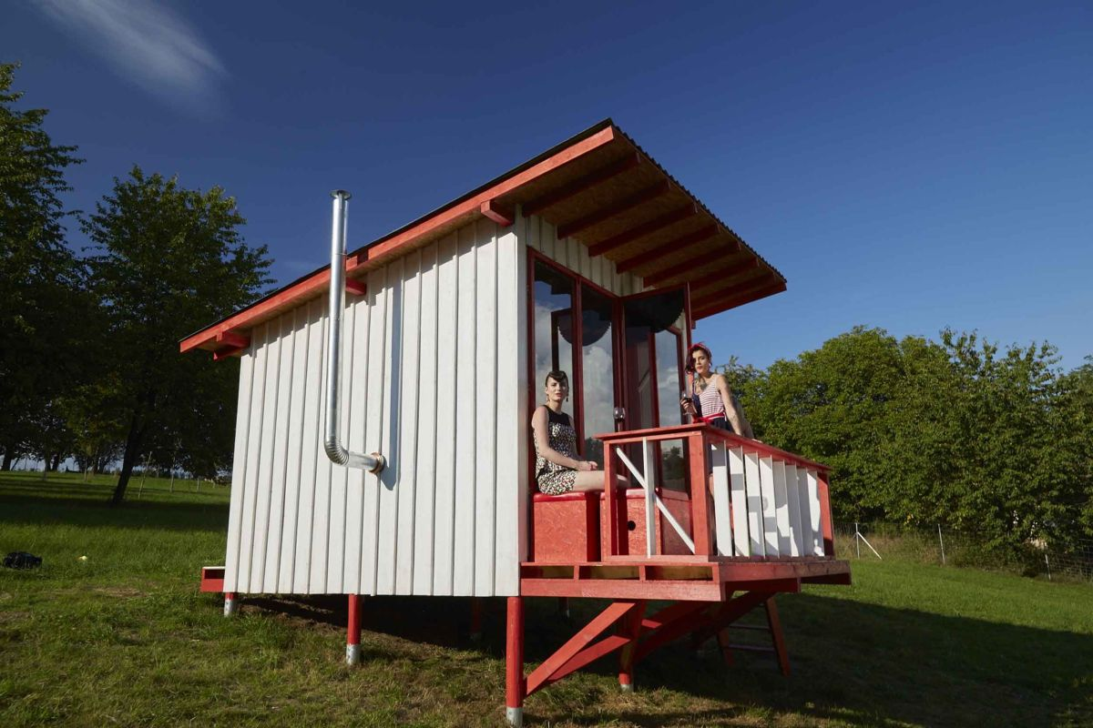 the pin-up cabin you can build yourself using simple plans