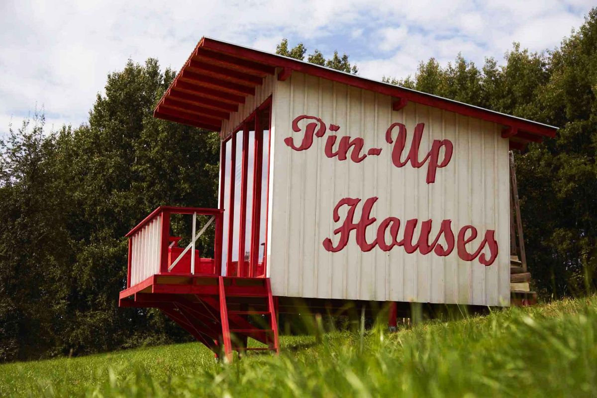 Do It Yourself Home Design: The Pin-up Cabin You Can Build Yourself Using Simple Plans
