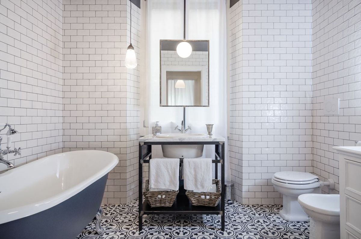 Navigly-Milan-apartment-renovation-bathroom-tiles