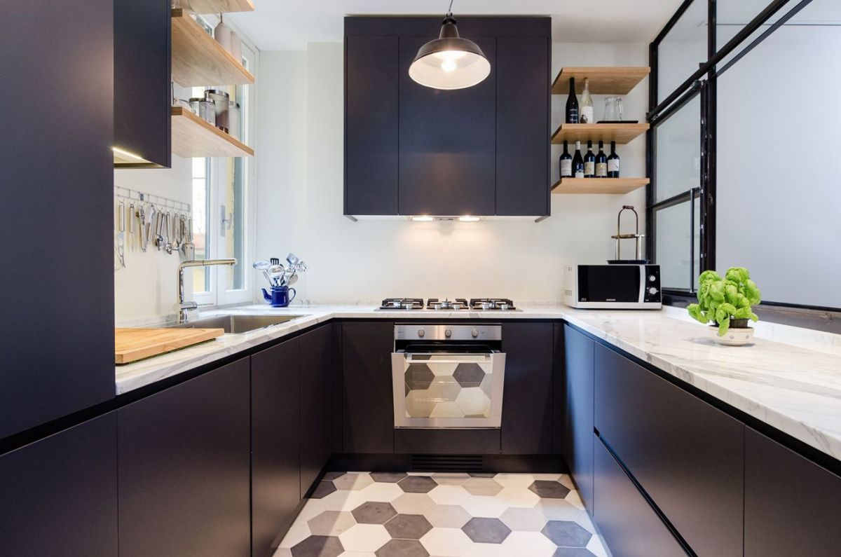 Navigly-Milan-apartment-renovation-kitchen-counters