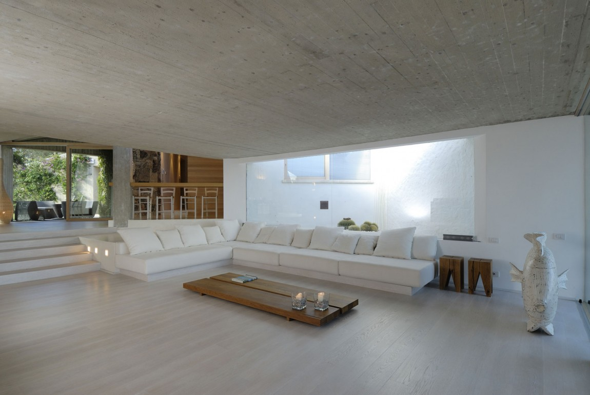 Residence-in-Sardinia-living-room-custom-sofa