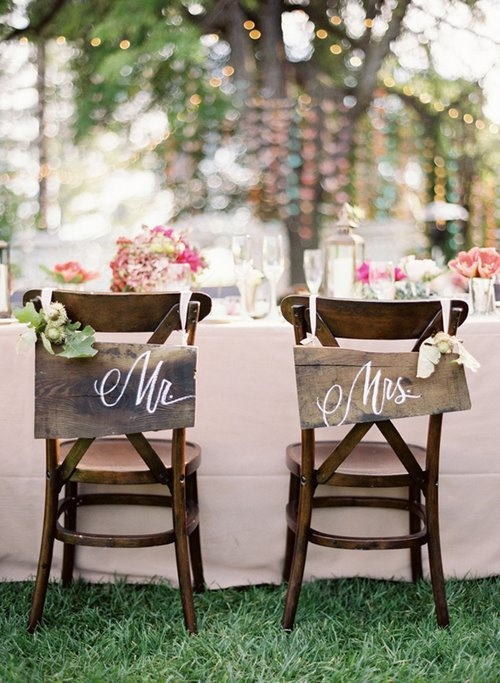 Rustic-Wedding-Chair-Signs