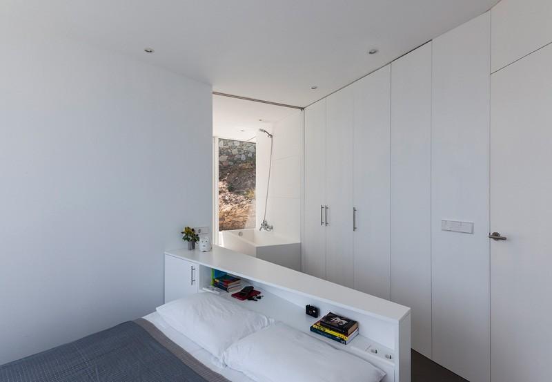 Sunflower-House-bedroom-headboard