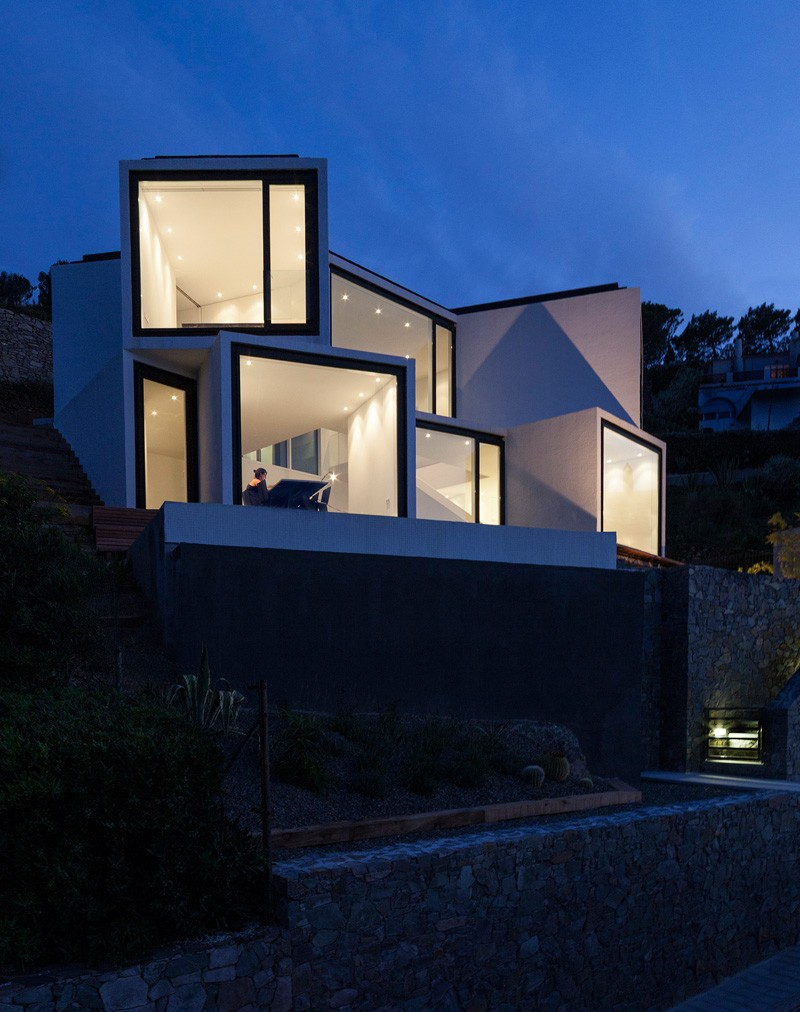 Sunflower-House-night-view-front-facade