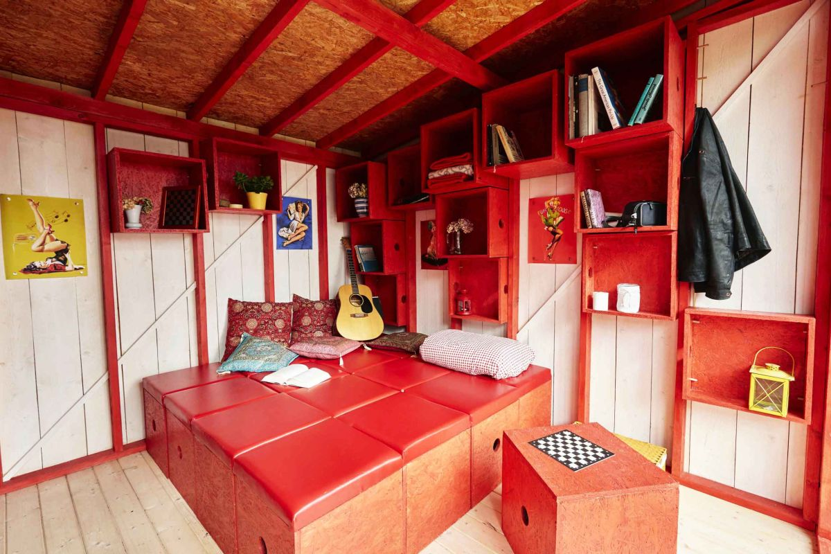 Small Box Room Cabin Bed: The Pin-up Cabin You Can Build Yourself Using Simple Plans
