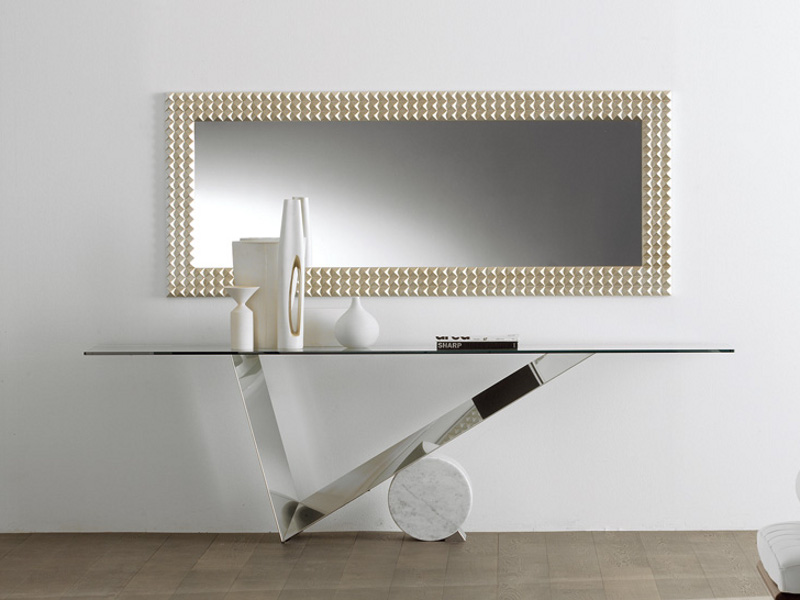 Valentino-table-by-Emanuele-Zenere