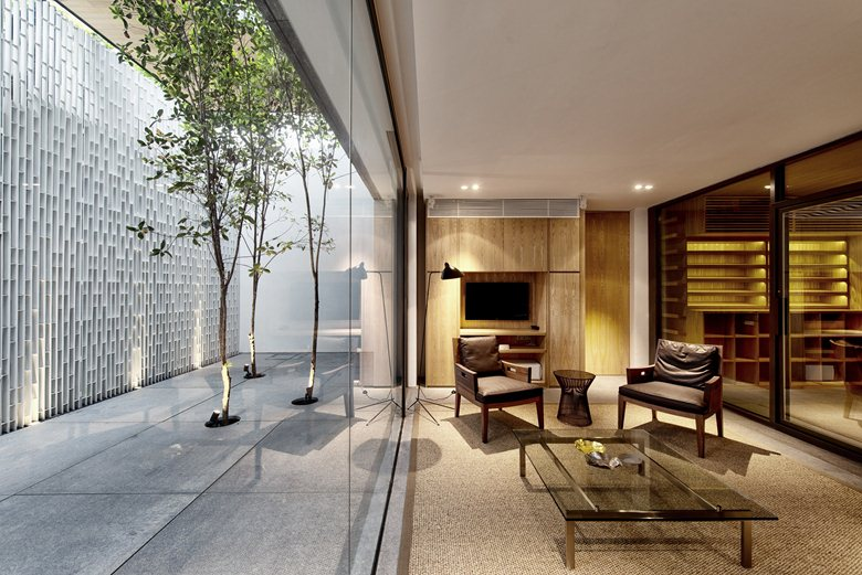 Wall-House-indoor-outdoor-connection