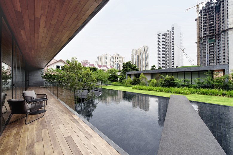 Wall-House-plaza-water-feature
