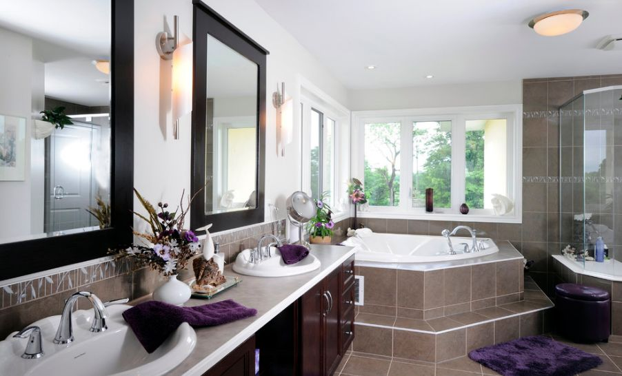 another-large-bathroom-with-built-in-tub