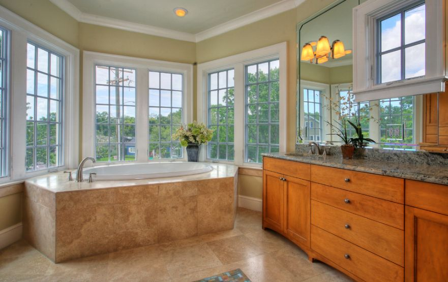 bay-windows-in-bathroom
