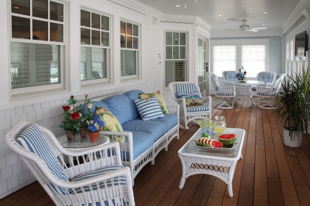 Beach Style Home With Wicker Furniture