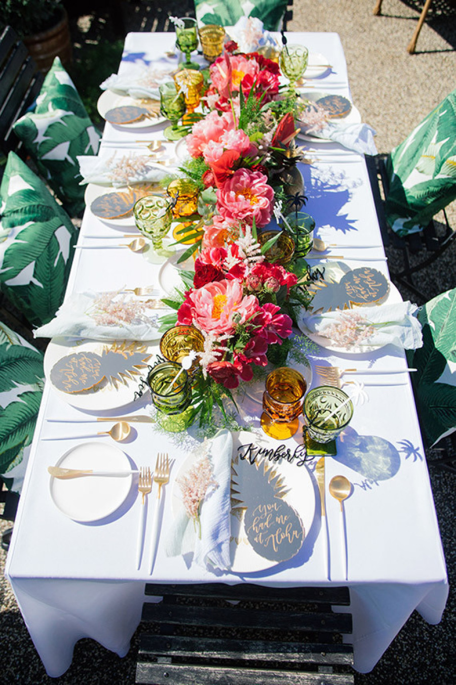 50 outdoor party ideas you should try out this summer for Patio table centerpiece ideas
