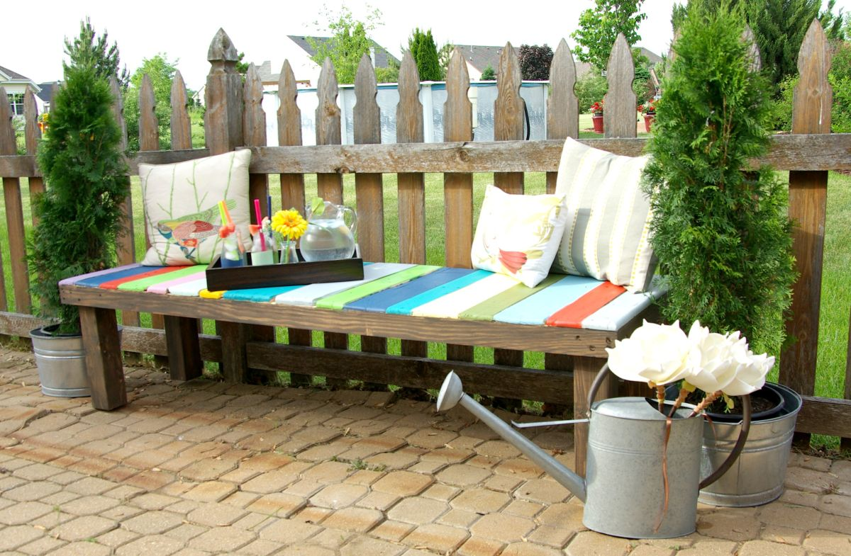 how to build a colorful garden bench using pallets - Garden Ideas Using Pallets
