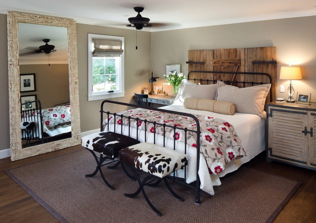 bedroom-with-two-headboards