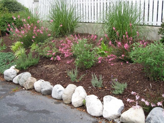 boulder-rocks-to-create-edging