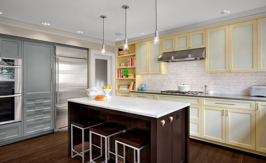Attractive 20 Kitchens With Stylish, Two Tone Cabinets