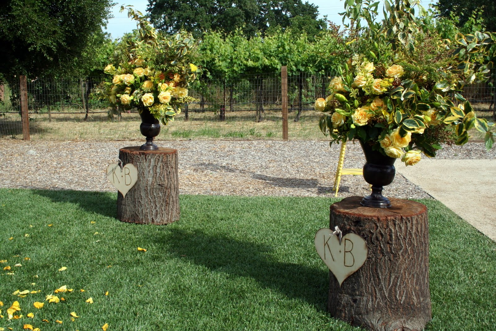 Say i do to these fab 51 rustic wedding decorations cute country new wedding large urns junglespirit Gallery
