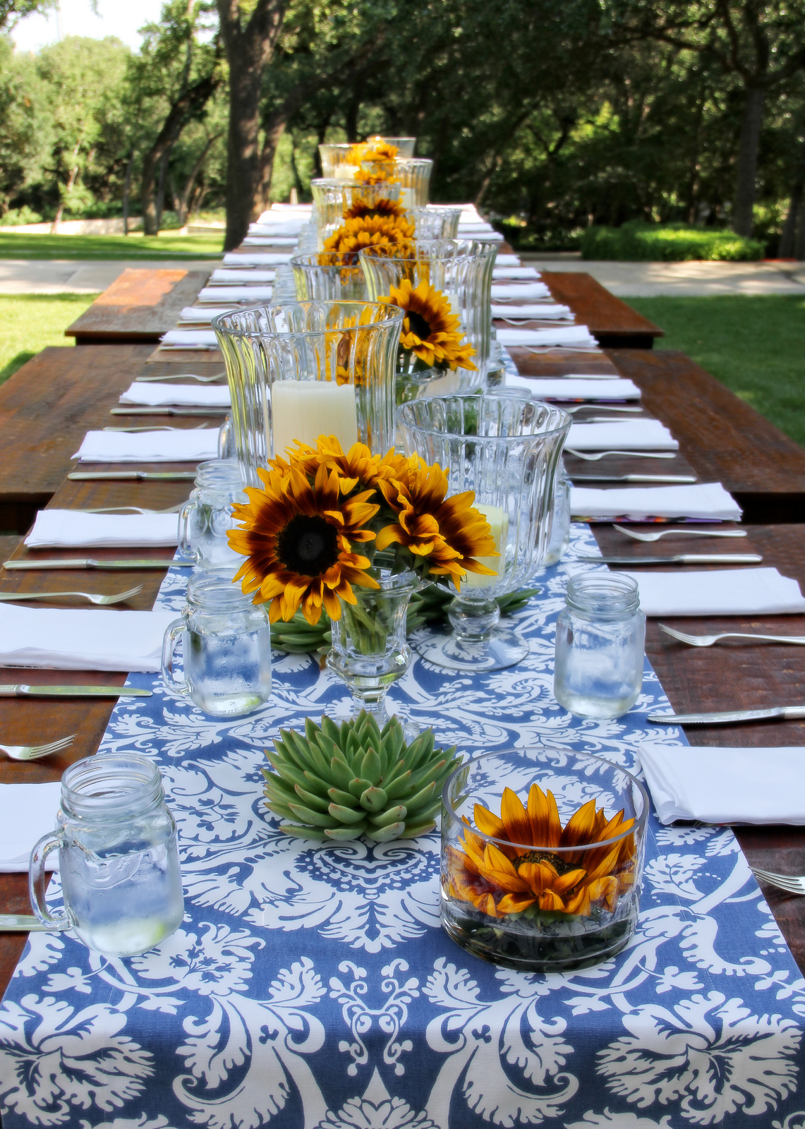 decorate with prints and patterns outdoor party - Outdoor Decorations For Summer