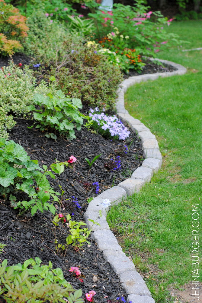 define a garden edge with stones