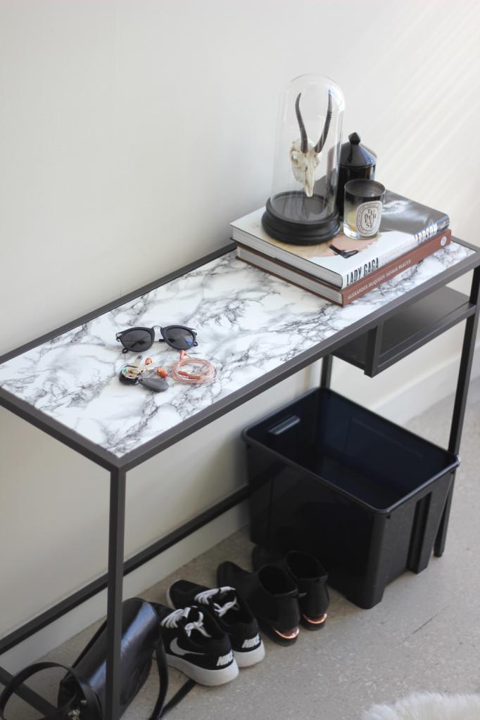 diy-marble-contact-paper-entryway-table