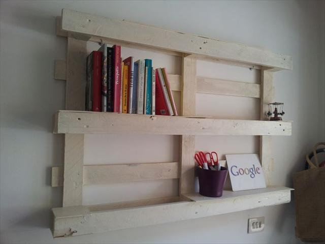 diy-pallet-shelves-display-books