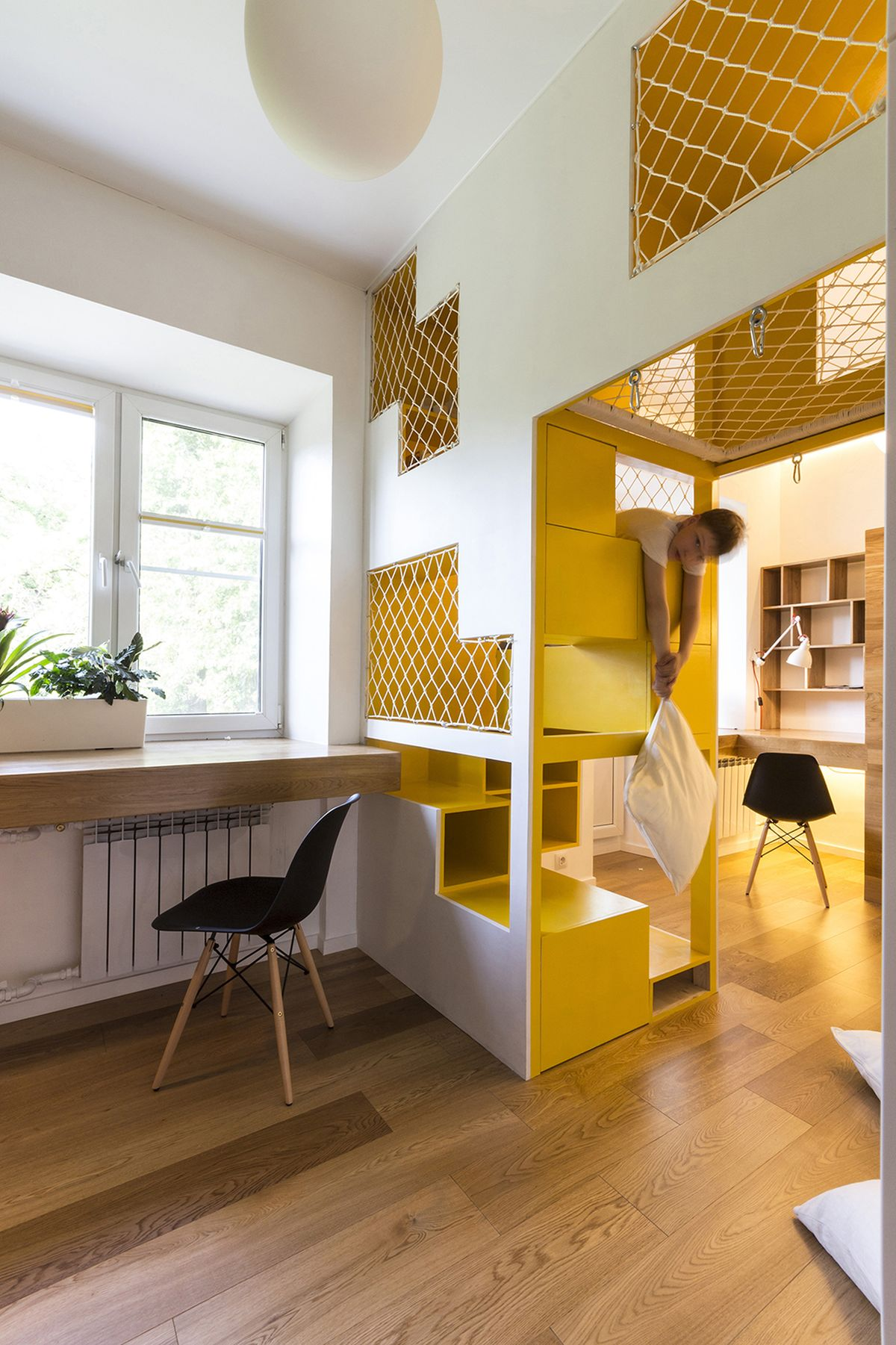 flexible-ruetemple-apartment-kids-desk
