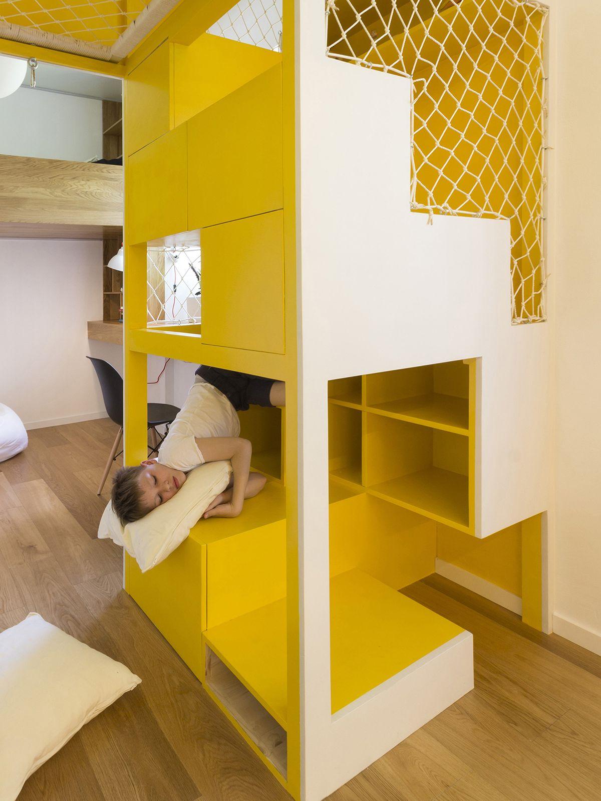 flexible-ruetemple-apartment-kids-playset