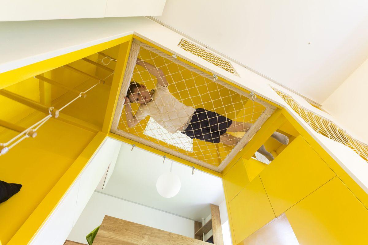 flexible-ruetemple-apartment-playground-hammock