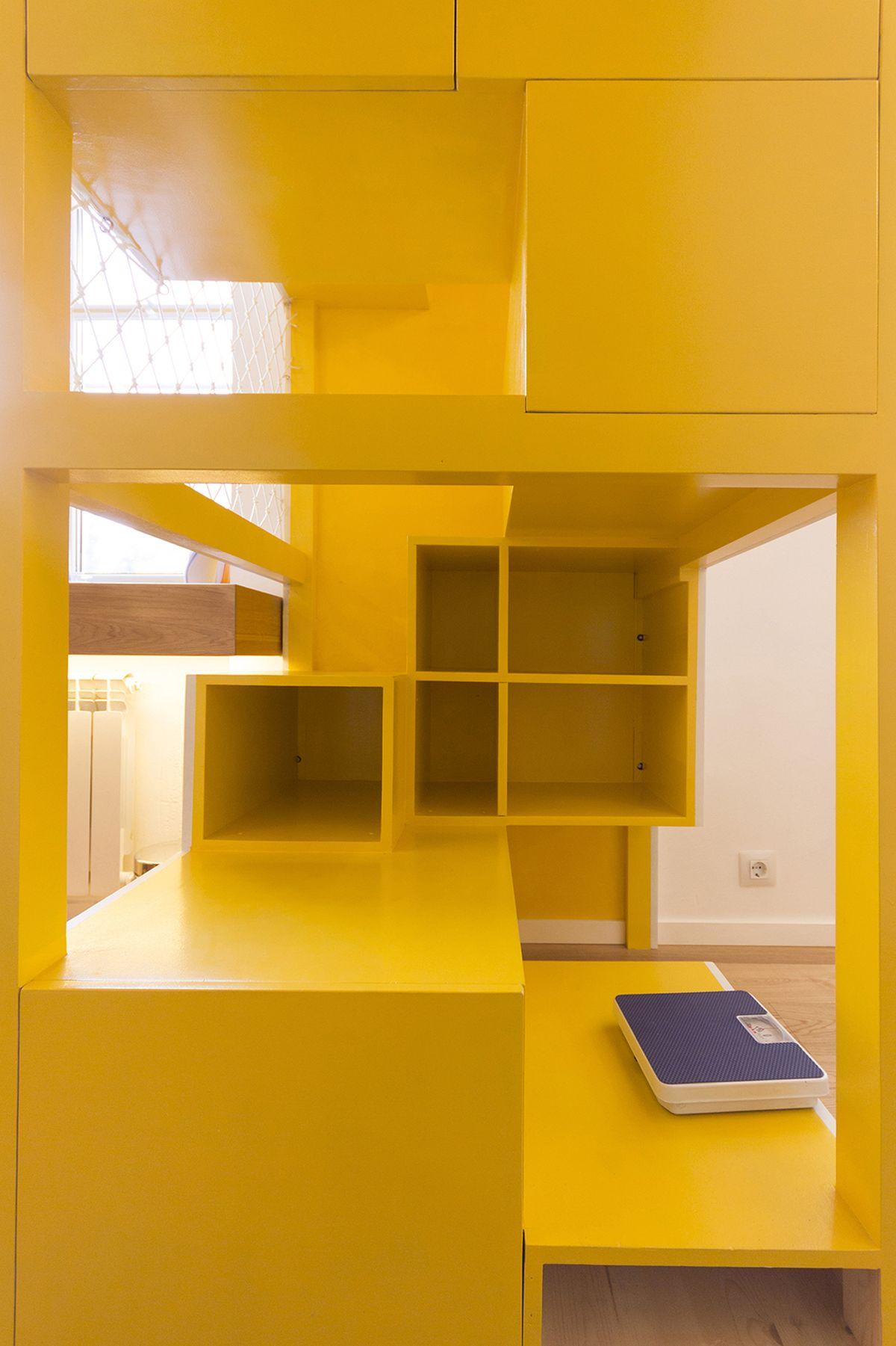 flexible-ruetemple-apartment-playground-interior
