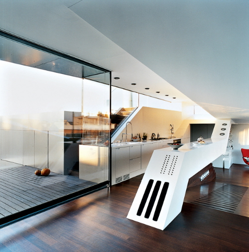 futuristic-penthouse-kitchen-island