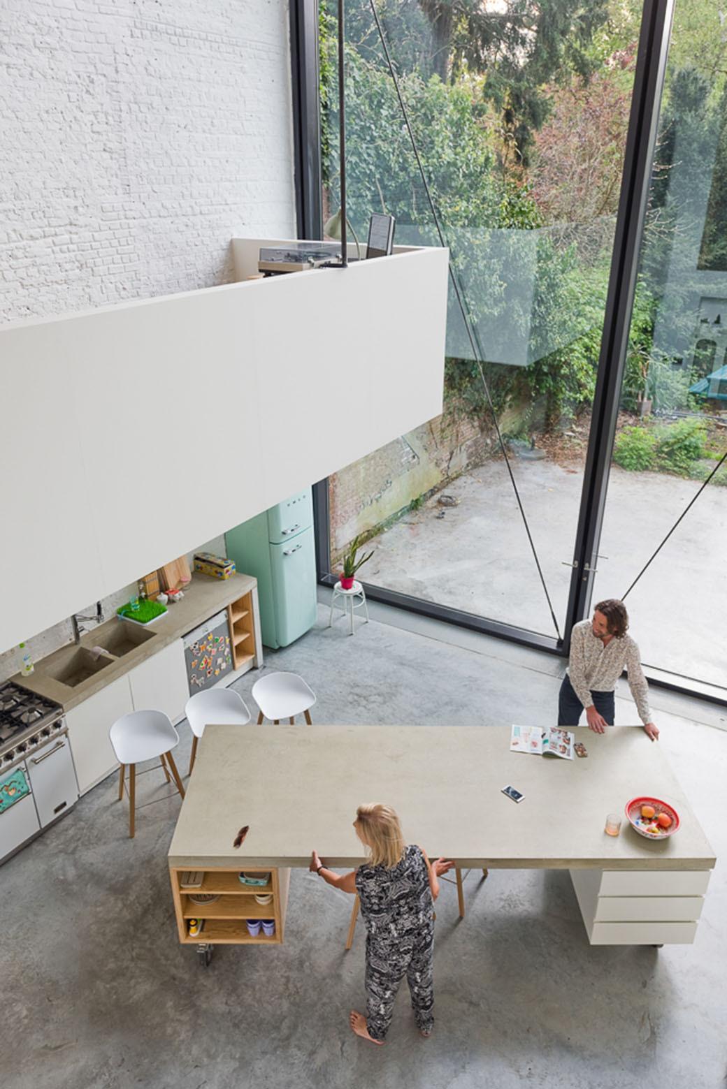 large-pivot-door-house-kitchen-island