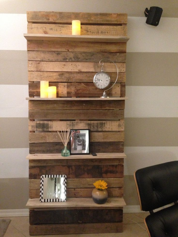 Creative and engaging designs featuring pallet shelves - Shelves design for living room ...