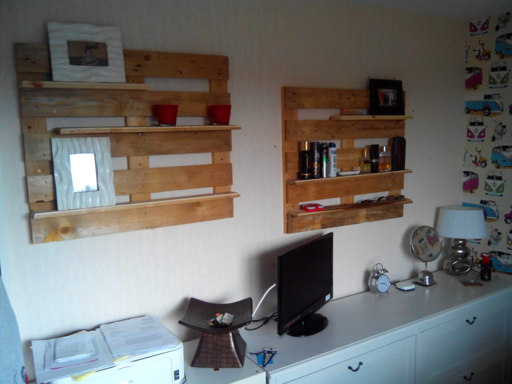 living-room-palle-shelves1