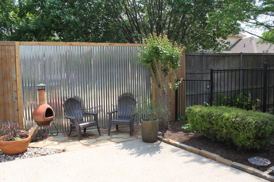 Metal screens - How To Customize Your Outdoor Areas With Privacy Screens