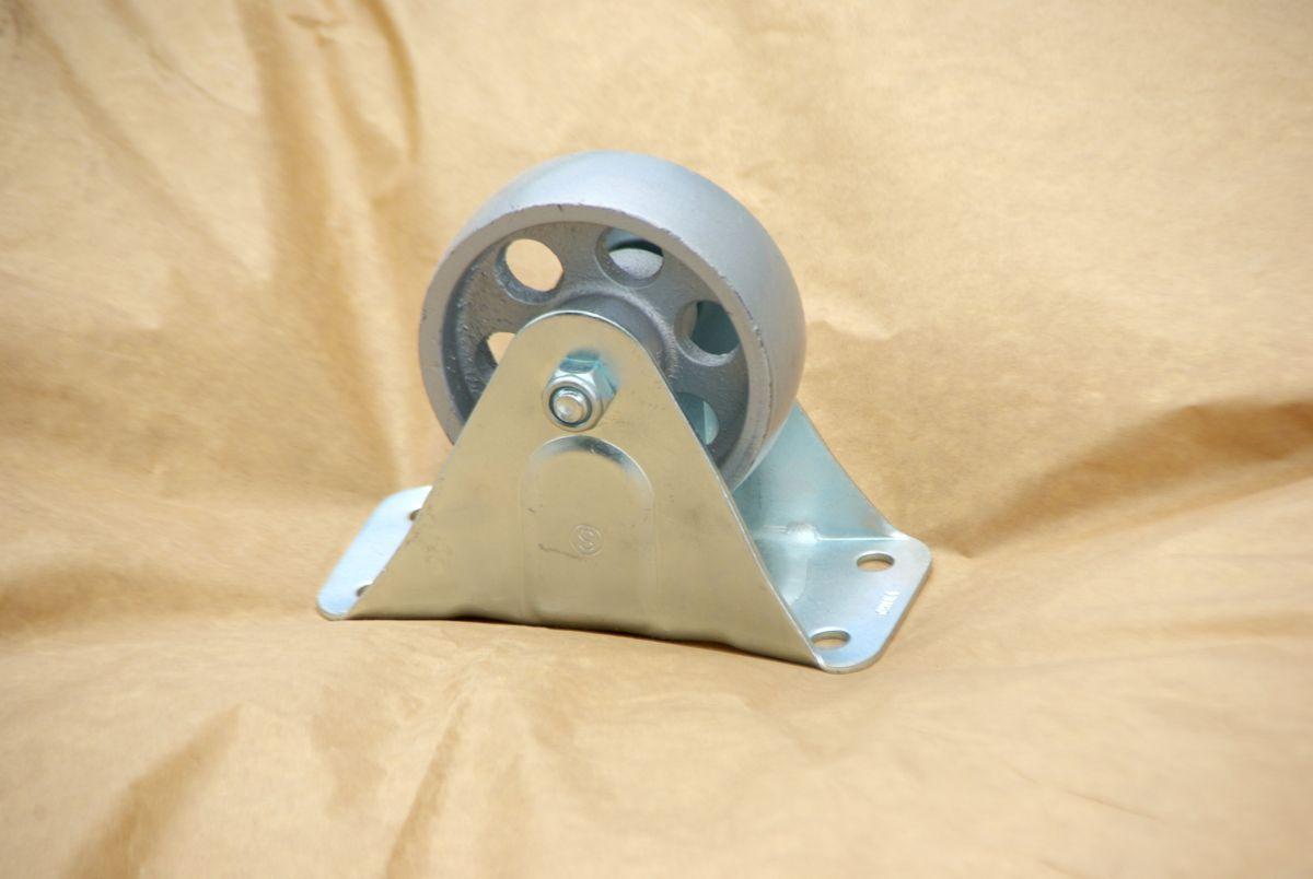 metalic-wheel-for-table