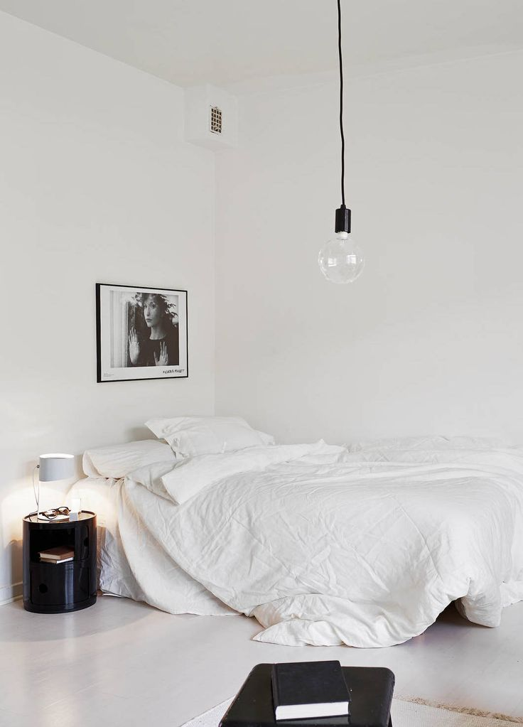 11 tips to styling your minimal bedroom for Master bedroom minimalist design