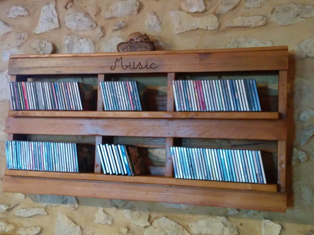 music-pallet-shelves